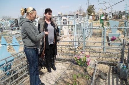 В Актау с могилы украли якорь