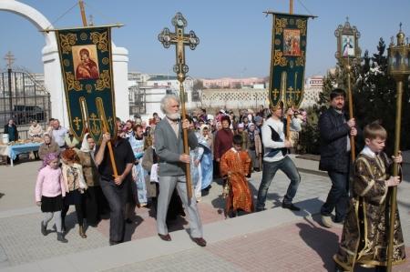 Актауская благовещенская церковь празднует день рождения