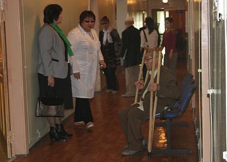 В Актау в доме-интернате для престарелых и инвалидов был развернут больничный городок, где старики могли получить бесплатную медицинскую помощь