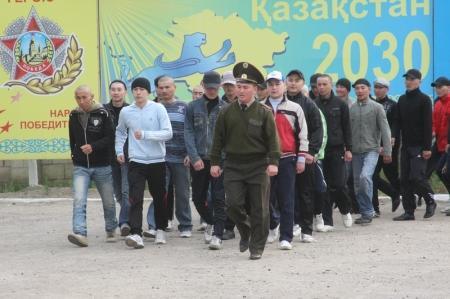 В Актау начался весенний призыв в армию