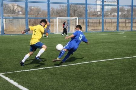 Команда КНБ лидирует в актауском турнире по мини-футболу