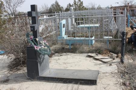 Полив растений на христианском кладбище Актау переносится на неопределенный срок