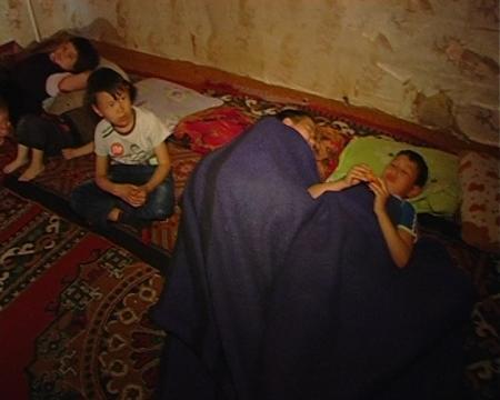 В Актау жителей 14 дома третьего микрорайона выселяют из квартир, не предоставив взамен жилье