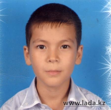 Актауский мальчик отказался праздновать свой день рождения, чтобы помочь Мукасану Амангельды