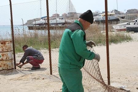 Забор, перекрывавший проезд к актаускому яхт-клубу «Бриз», ликвидировали