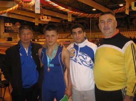 Актауские борцы завоевали весь комплект наград на чемпионате Казахстана в Орале