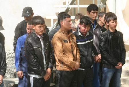 В Актау задержано 46 незаконных мигранта из Узбекистана
