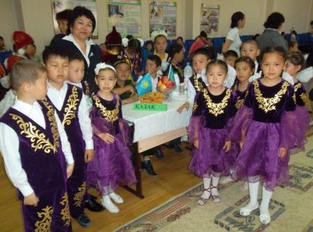 В школах поселка Курык  отмечают День единства народов Казахстана