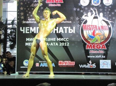 Актауский 16-летний спортсмен завоевал «золото» на чемпионате Казахстана по бодибилдингу