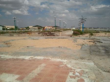 Призывы о сносе заборов не были услышаны владельцами земельных участков в первом микрорайоне города Актау
