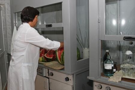 Испорченные продукты питания на прилавках Актау скорее норма, чем нонсенс