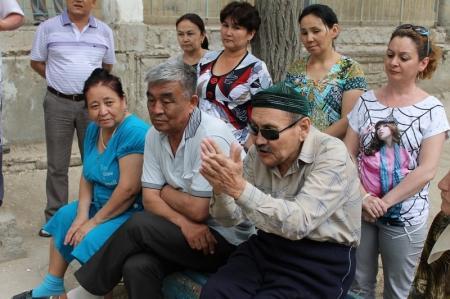 Жителям Актау разъясняют программу по модернизации ЖКХ