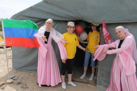 В Актау на базе отдыха «Серебряные пески» прошла маевка