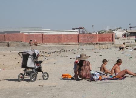 Специалисты СЭС считают, что пляжи Актау не готовы к приему отдыхающих