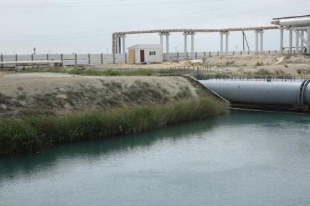 Мангистауский энергокомбинат приступил к строительству забора на водозаборном канале