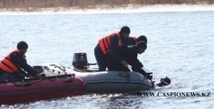 В Атырау утонул автомобиль и пять человек