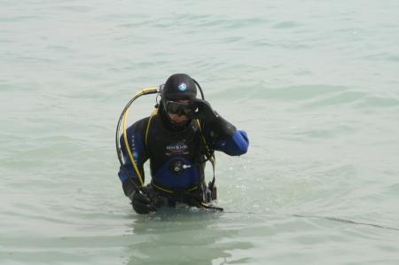 Актауские водолазы-новички спасли двух рыбаков