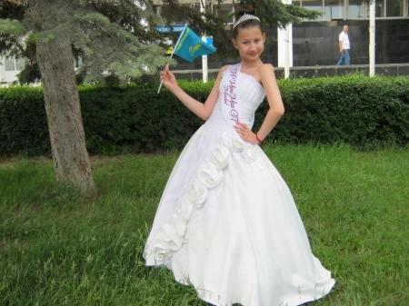 Красавицы Актау завоевали короны сразу на трех международных конкурсах