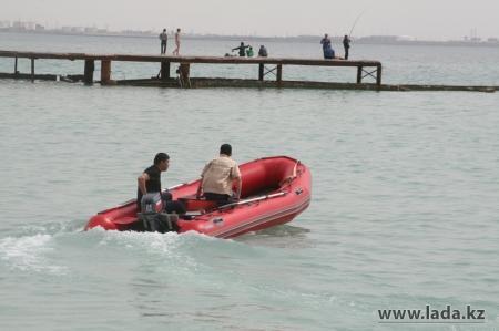 Мангистауские спасатели прервали на Каспии опасное «свадебное» путешествие