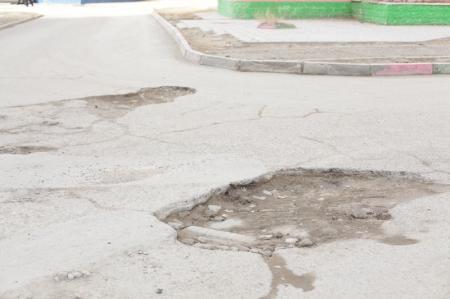 В июле в Актау начнётся ремонт внутримикрорайонных дорог