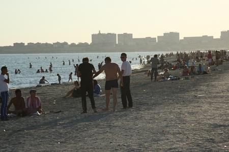 В Актау проходят рейды по выявлению несанкционированной торговли и распития спиртных напитков в общественных местах