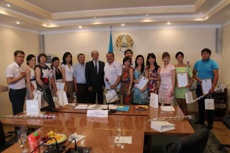 Акимат Актау поздравил журналистов с профессиональным праздником