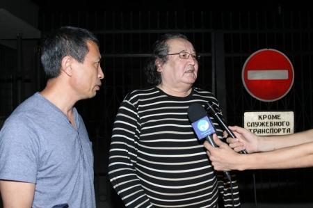 Из следственного изолятора Актау освобожден Болат Атабаев (ДОБАВЛЕНО ВИДЕО)
