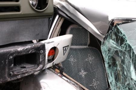 В Актау столкнулись «Камаз» и «Nissan Tiida»