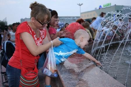 "В Актау на площади ""Астана"" заработал фонтан"