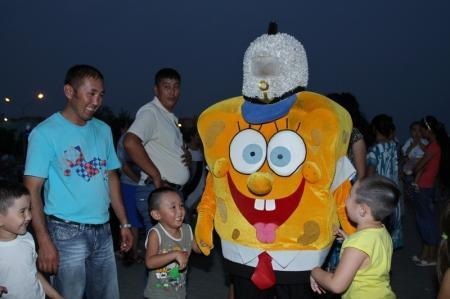 В Актау ко Дню Астаны открылась набережная и прошел праздничный концерт