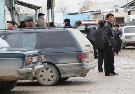 В Узбекистане к шести годам лишения свободы приговорили вербовщика гастарбайтеров