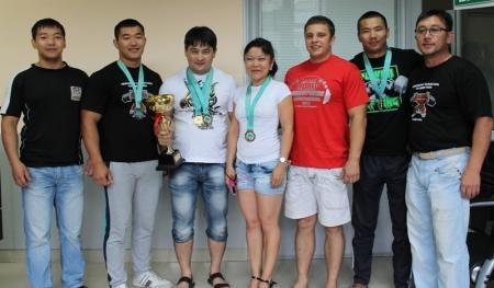 Актауские спортсмены выступили на чемпионате республики по пауэрлифтингу и жиму штанги лежа