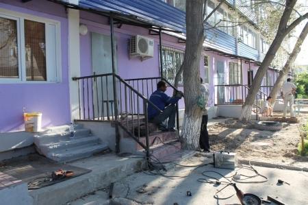 Исполняющий обязанности акима Актау посетил дома, участвующие в программе модернизации ЖКХ