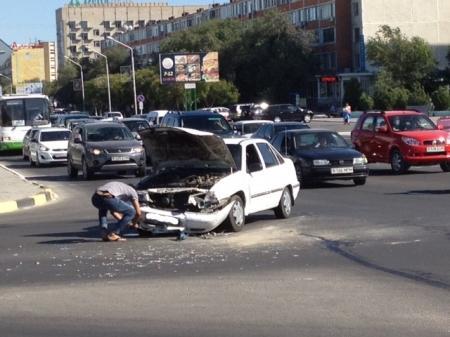 Авария на перекрестке