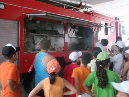 Дети из детских лагерей посетили музей противопожарной службы Мангистау