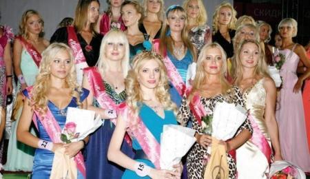 Жительница Актау приняла участие в конкурсе «Мисс блондинка Казахстана 2012»