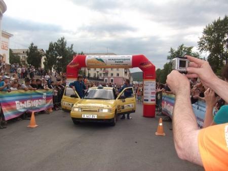 Пилот из Актау Евгений Шевченко стал участником международного ралли «Южный Урал-2012»
