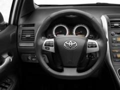 В Казахстане снизят таможенные пошлины на авто младше трех лет