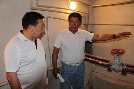 Исполняющий обязанности акима Актау  встретился с представителями коммунальных служб