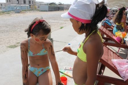 В Актау воспитанники лагеря «Тулпар» отметили День Нептуна