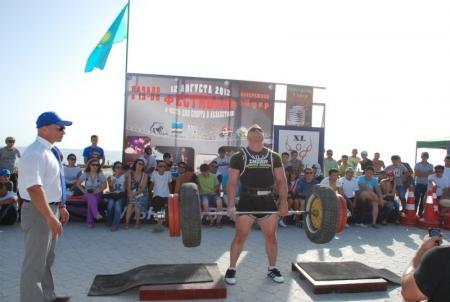 В Актау состоялся первый открытый чемпионат РК по стронгмену
