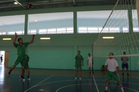 В Актау прошли соревнования по волейболу среди военнослужащих