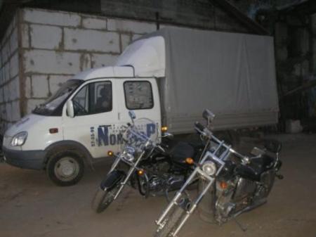 В Мангистау водитель «ГАЗа» протаранил «Жигули» и снес забор жилого дома