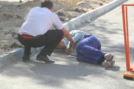 В Актау на строительной площадке с высоты 12 метров упал рабочий