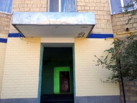 В 14 микрорайоне Актау займутся укреплением козырьков подъездов