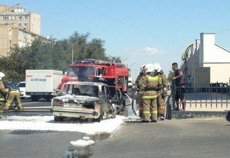 В Актау вновь сгорел автомобиль