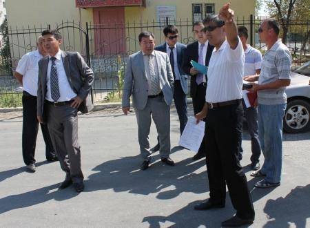 В Актау приостановлен ямочный ремонт дорог