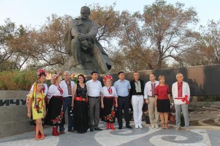 Праздник в Актау у памятника Тарасу Шевченко (видео)