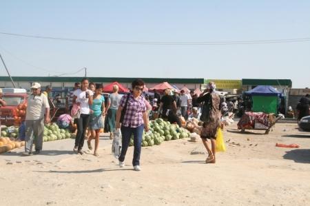 Блошиные рынки в Актау неискоренимы