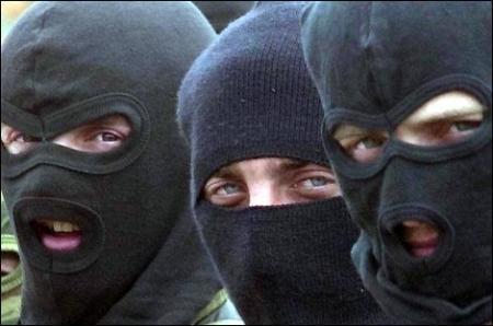Двое жителей Актау осуждены за ношение оружия и угрозу применения насилия в отношении представителей власти